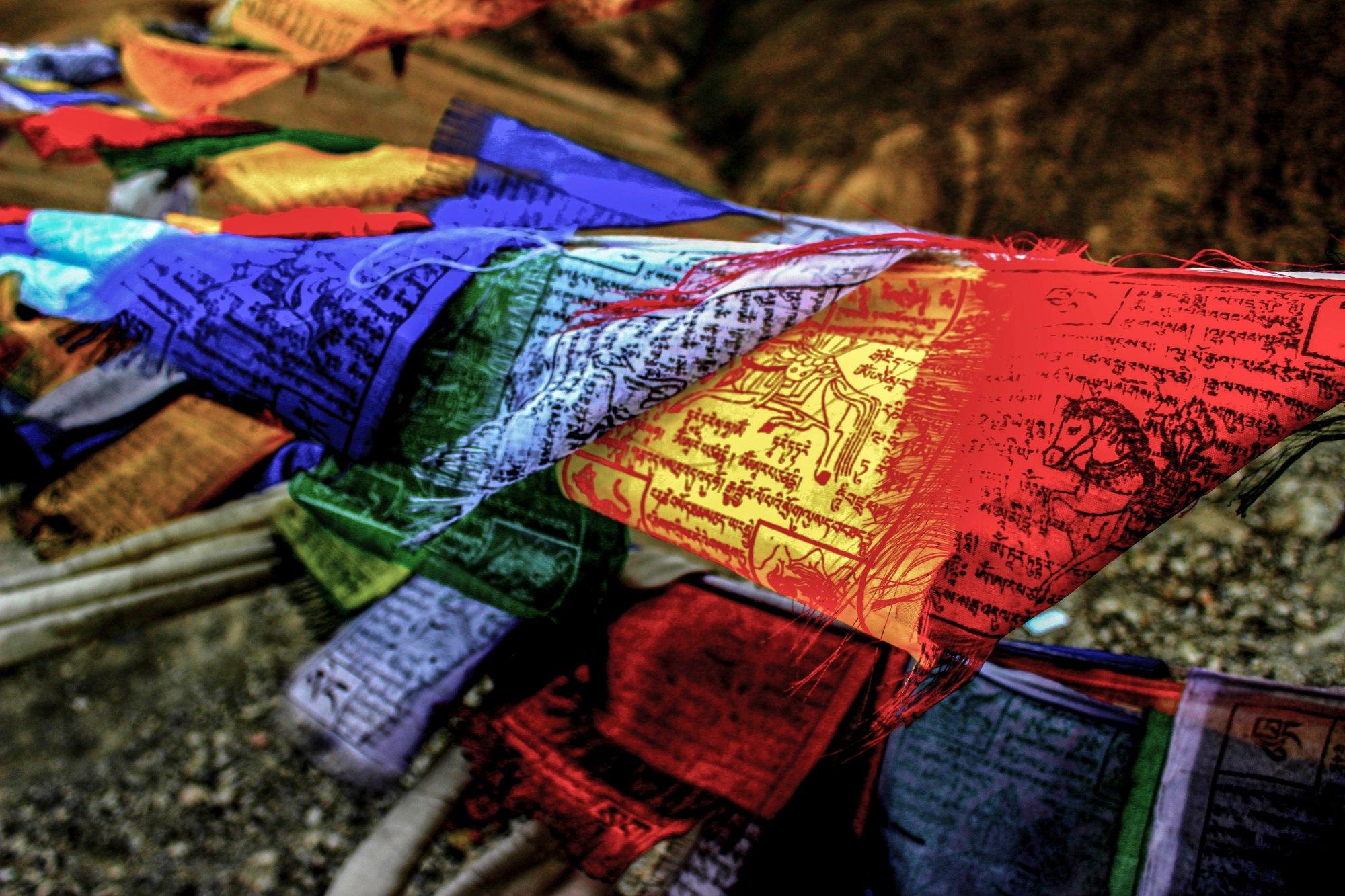 prayer flags in ladakh region at fatu la pass